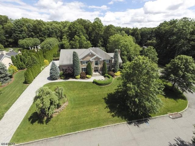 29 Hutton Dr, Mahwah, NJ 07430