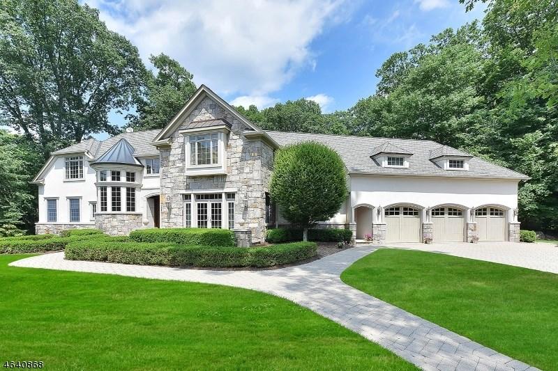 104 Evergreen Court, Franklin Lakes, NJ 07417