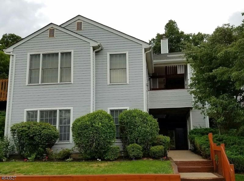 47 Stonyridge Dr Lincoln Park, NJ 07035