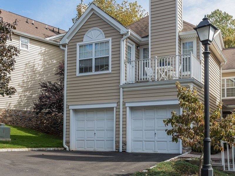 32 Springholm Dr Berkeley Heights, NJ 07922