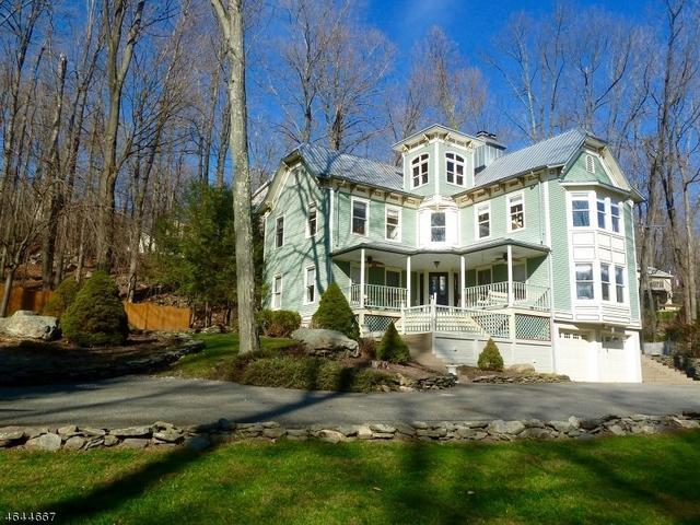 541 Terrace Dr, Highland Lakes, NJ 07422