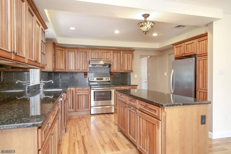 43 Grant Ave, East Hanover, NJ 07936