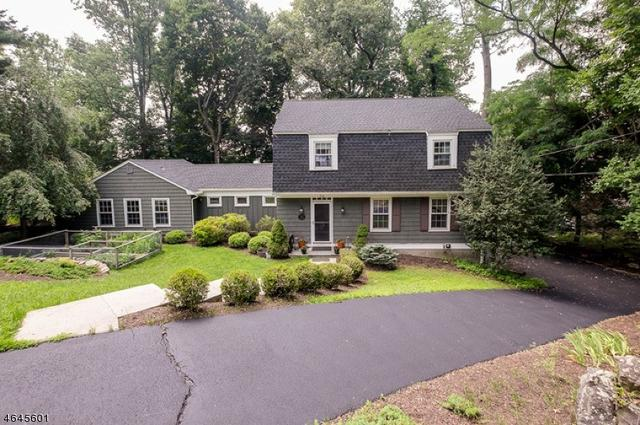 24 Beaver Ridge Rd, Morris Plains, NJ 07950