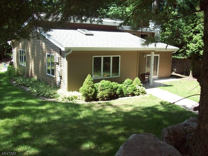 17 Birch Drive, Highland Lakes, NJ 07422