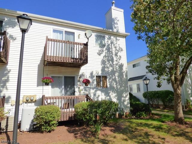 1102 Wheatfield Ct, Flemington, NJ 08822