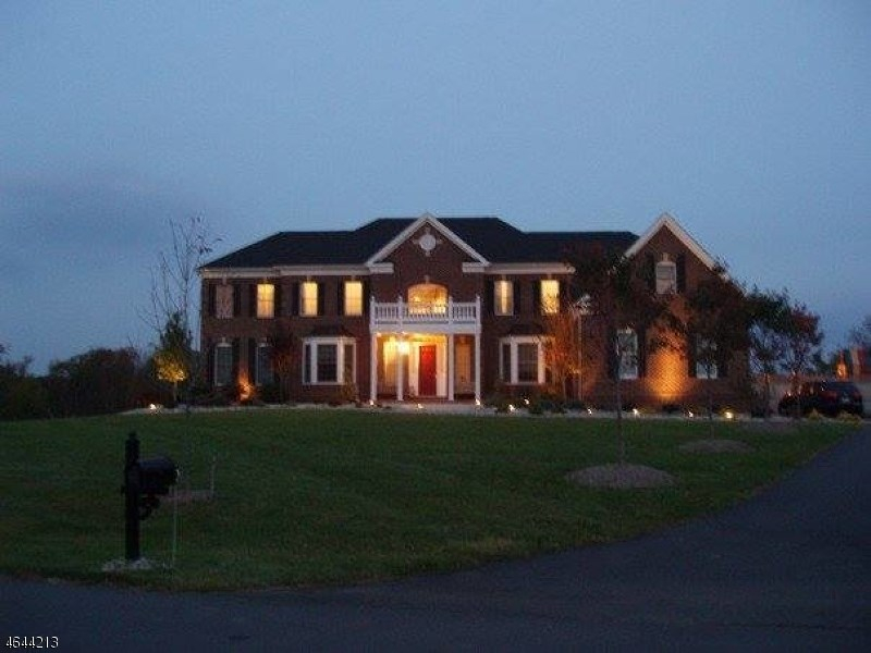2 Asher Smith Road, Pittstown, NJ 08867