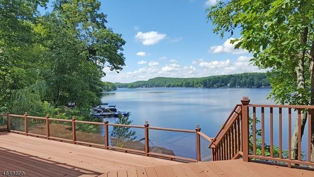 1197 Lakeside Dr E, Highland Lakes, NJ 07422