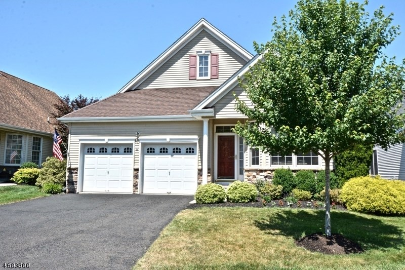 13 Witherspoon Way, Somerset, NJ 08873