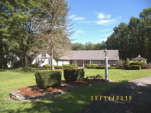 938 Old Schoolhouse Rd, Blairstown, NJ 07825