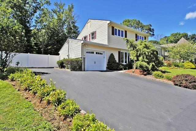 7 Berry Dr, Wayne, NJ 07470