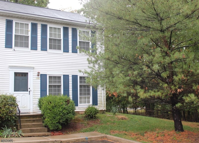 127 127 Selby Ct, Somerset, NJ 08873