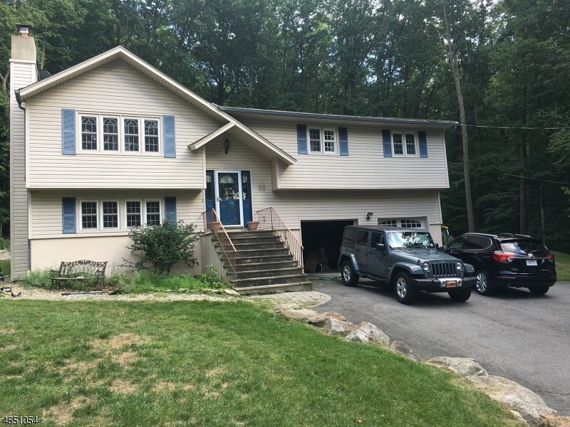 185 Glenside Trail, Sparta, NJ 07871