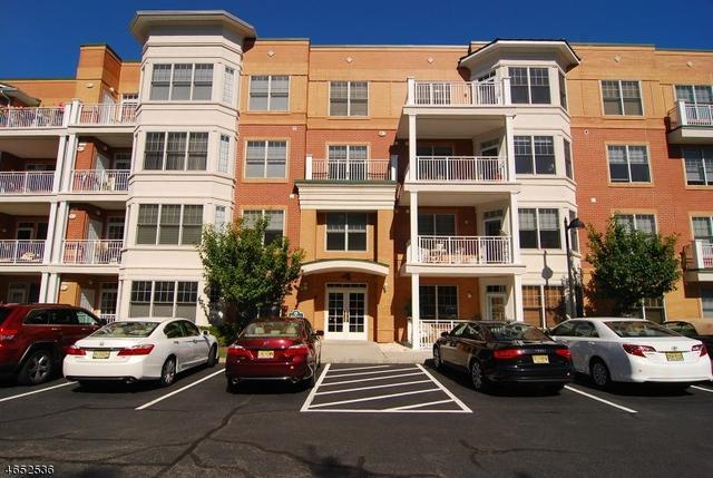 4104 Pointe Gate Dr, Livingston, NJ 07039