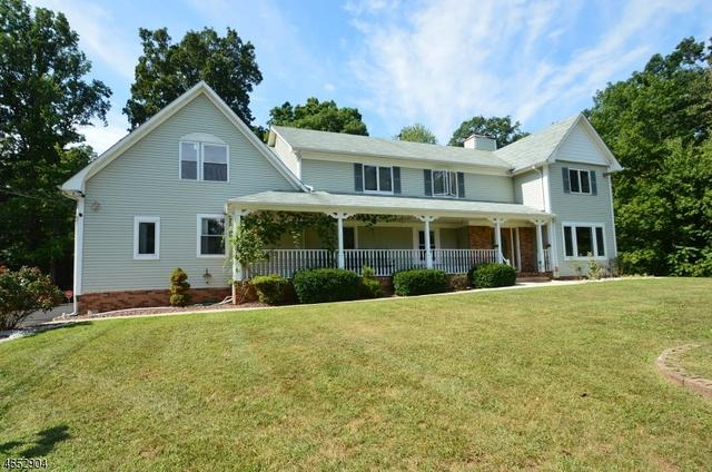 253 Bennetts Ln, Somerset, NJ 08873