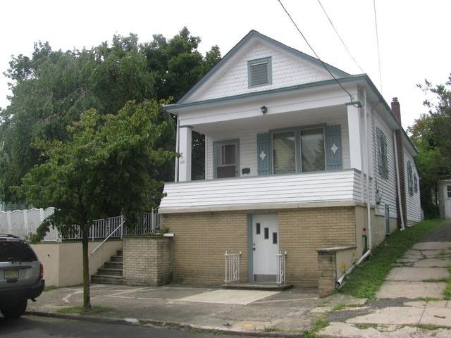 327 Morrissee Ave, Haledon, NJ 07508