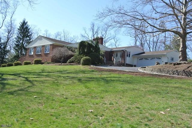 148 Stanie Brae Dr, Watchung, NJ 07069