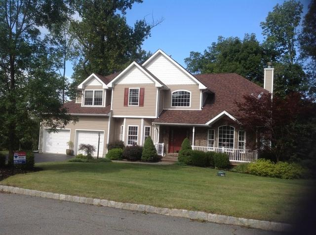 8 Mathew Dr, Sparta, NJ 07871