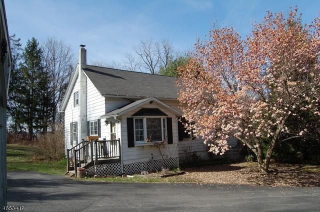 111 Lommason Glen Rd, Belvidere, NJ 07823