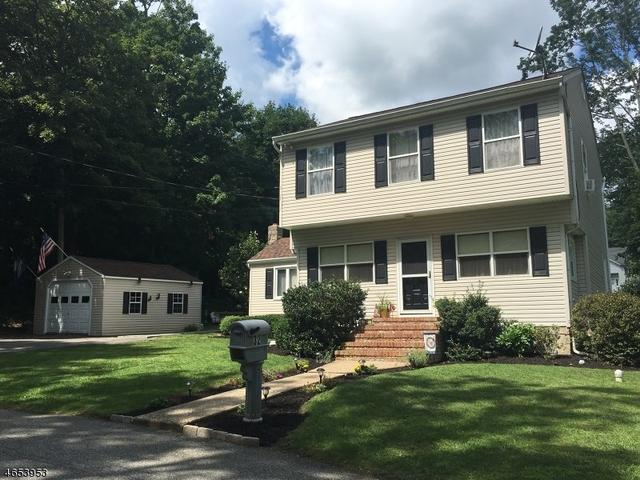 32 Whipporwill Rd, Budd Lake, NJ 07828