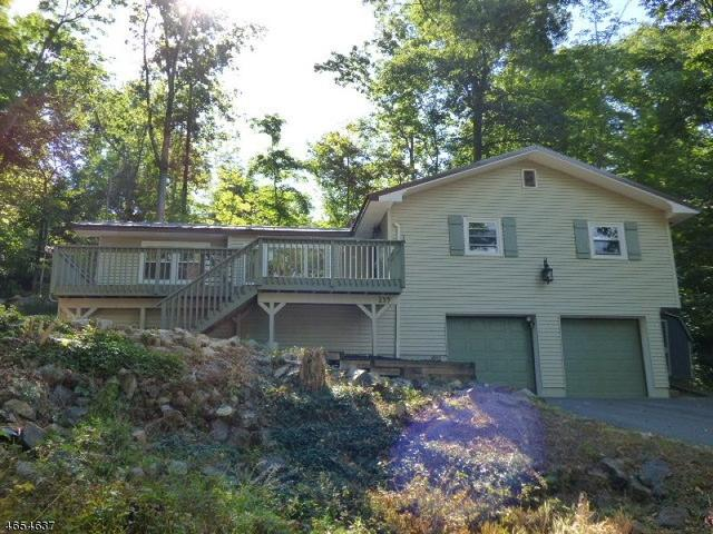 139 Forest Lake Dr N, Byram Township, NJ 07821