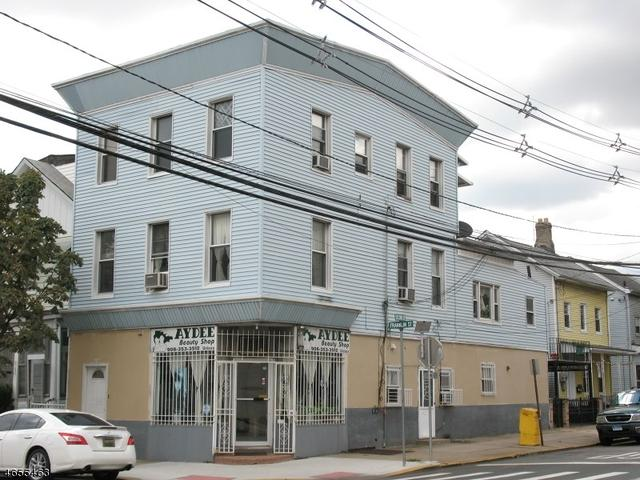 162 Franklin St, Elizabeth City, NJ 07206