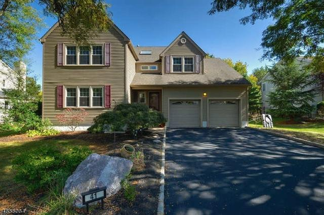 41 Van Zandt Dr, Hillsborough, NJ 08844