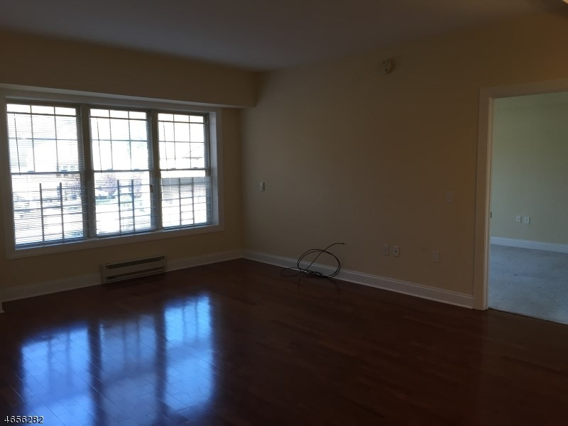 48 S Park 307, Montclair, NJ 07042