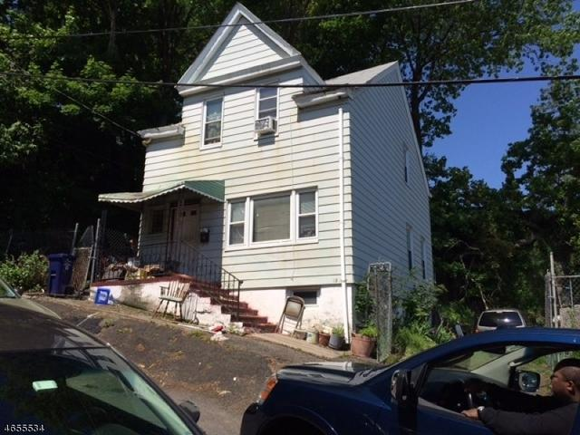 13-17 White St, Paterson, NJ 07522