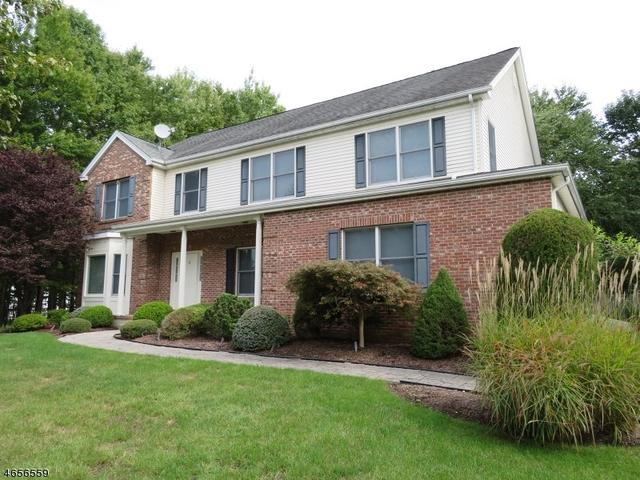 6 Willow Ridge Ln, Cedar Grove, NJ 07009