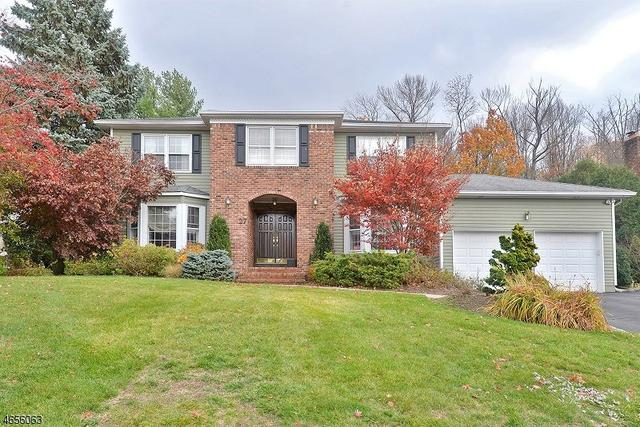 27 Windridge Dr, North Caldwell, NJ 07006