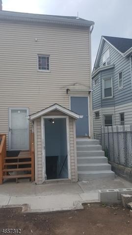 87 Holsman St, Paterson, NJ 07522