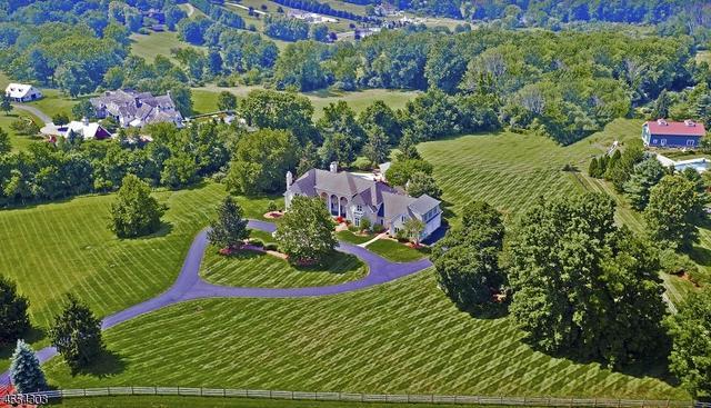 6 Winston Farm Ln, Far Hills, NJ 07931