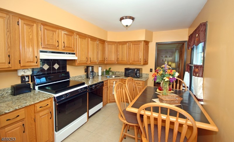 328 Giles Avenue, Middlesex, NJ 08846