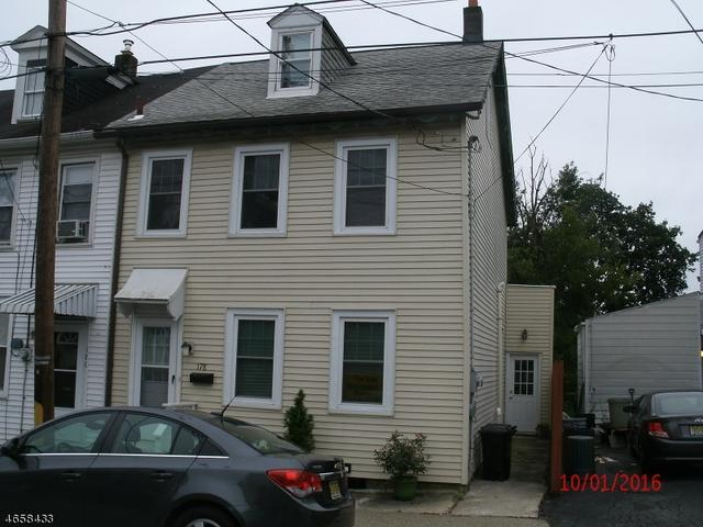 178 Chambers St, Phillipsburg, NJ 08865