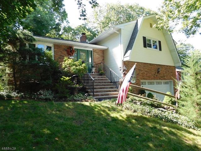 93 Kakeout Rd, Butler, NJ 07405