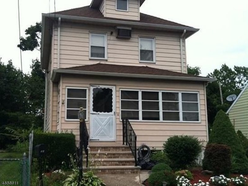 34 Sewall Ave, Clifton, NJ 07011