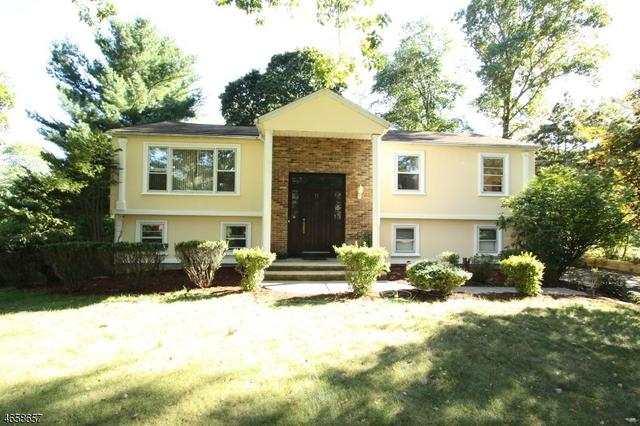 11 W Hill Rd, Woodcliff Lake, NJ 07677