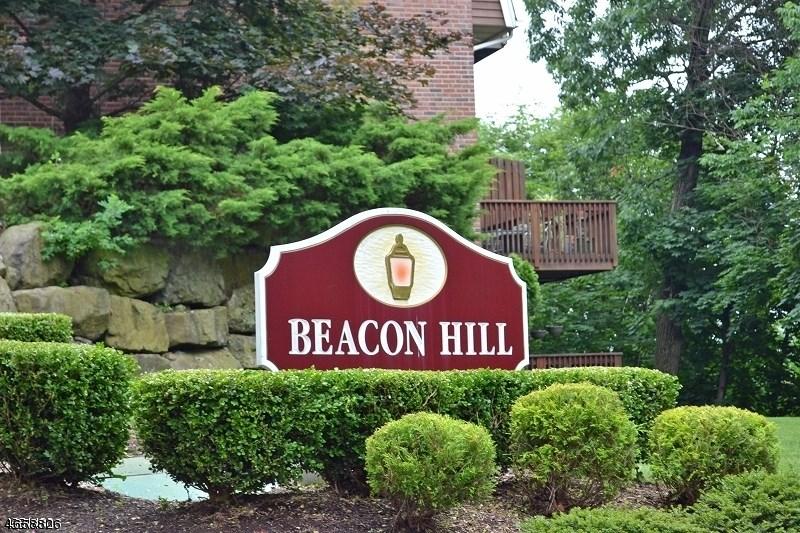 26 Beacon Hill Cmns, Pompton Lakes, NJ 07442