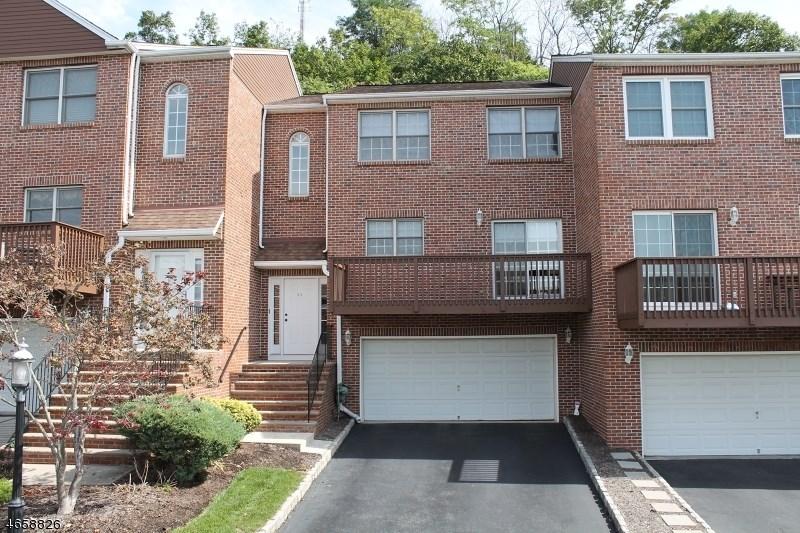 26 Beacon Hill Commons, Pompton Lakes, NJ 07442