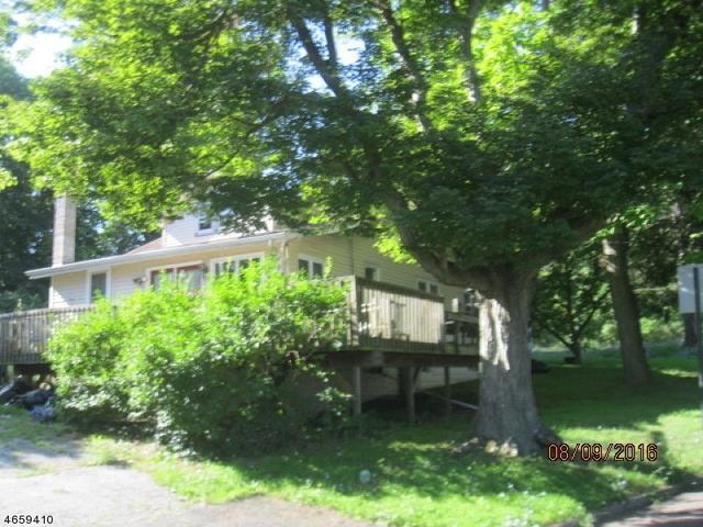 2 Barone St, Netcong, NJ 07857