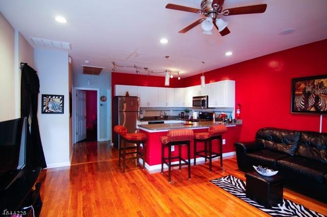 84 Avenue A, Lodi, NJ 07644