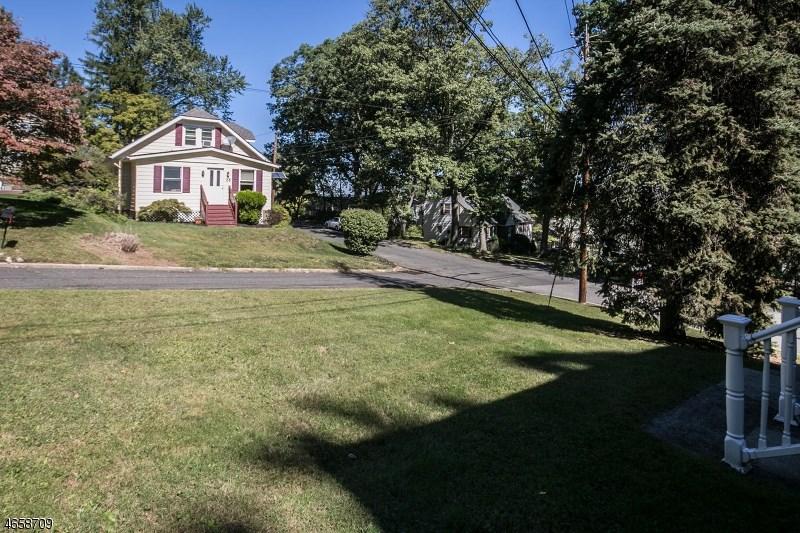 20 Summit Avenue, Hawthorne, NJ 07506