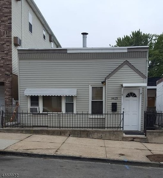 1405 44th St, North Bergen, NJ 07047