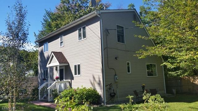 13 Brook St, Lake Hopatcong, NJ 07849