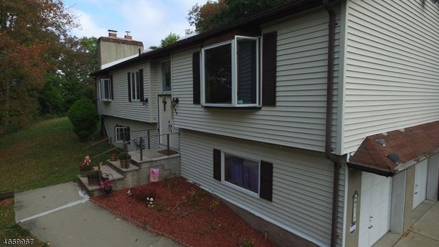 535 Grandview Dr, Highland Lakes, NJ 07422