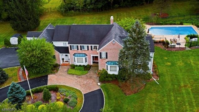 6 Chesterbrook Rd, Chester, NJ 07930