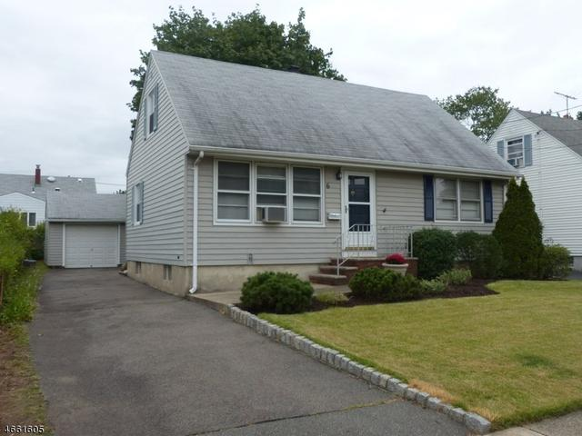 6 Green Meadow Ln, Clifton, NJ 07013