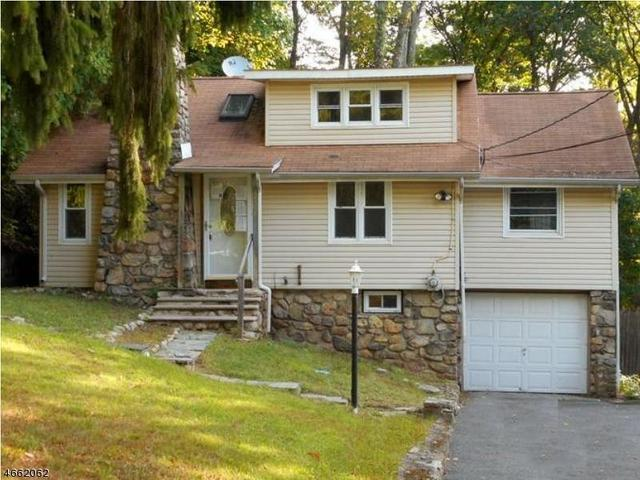 218 Alturas Rd, Highland Lakes, NJ 07422
