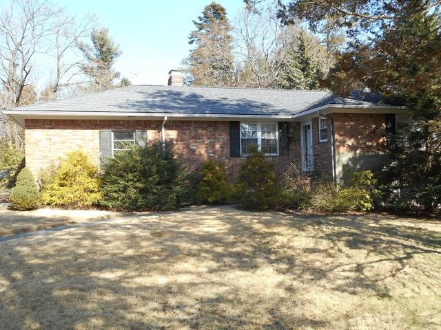 17 Nassau Dr, Summit, NJ 07901