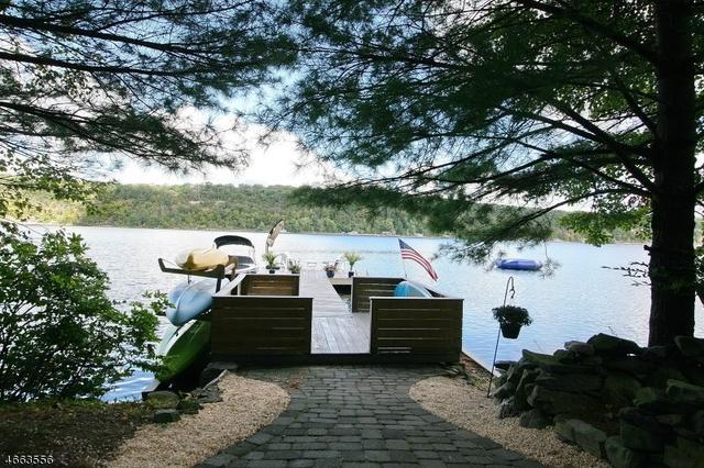 107 Lake End Rd, Newfoundland, NJ 07435